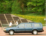thumbs 1982 Volvo 760
