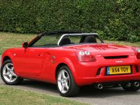 2004 Toyota MR2 Roadster