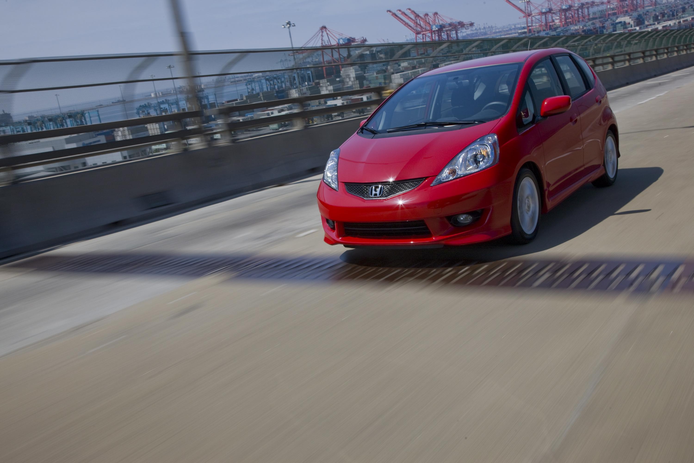 Все-Новый 2009 Honda Fit Большой на стиль и утонченность, небольших на цена и расход топлива - фотография №3