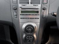 thumbs 2009 Toyota Yaris