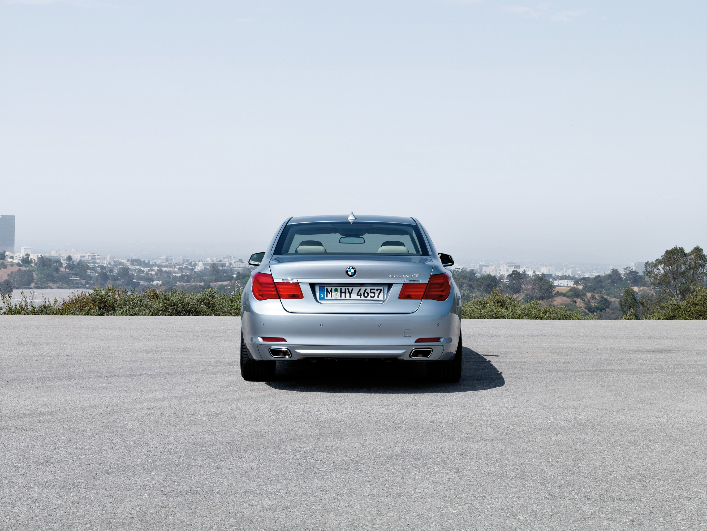2010 BMW ActiveHybrid 7 - фотография №8