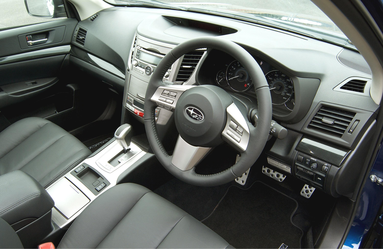 Все новые 2010 Subaru Legacy Tourer - фотография №4