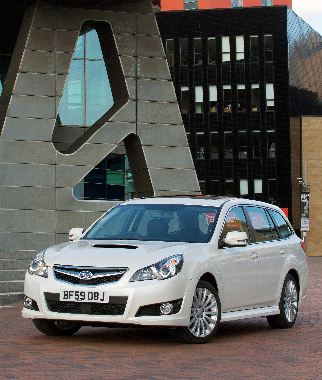 Все новые 2010 Subaru Legacy Tourer - фотография №6