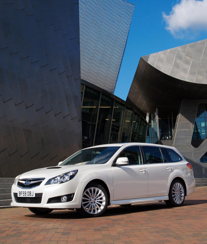 Все новые 2010 Subaru Legacy Tourer - фотография №7