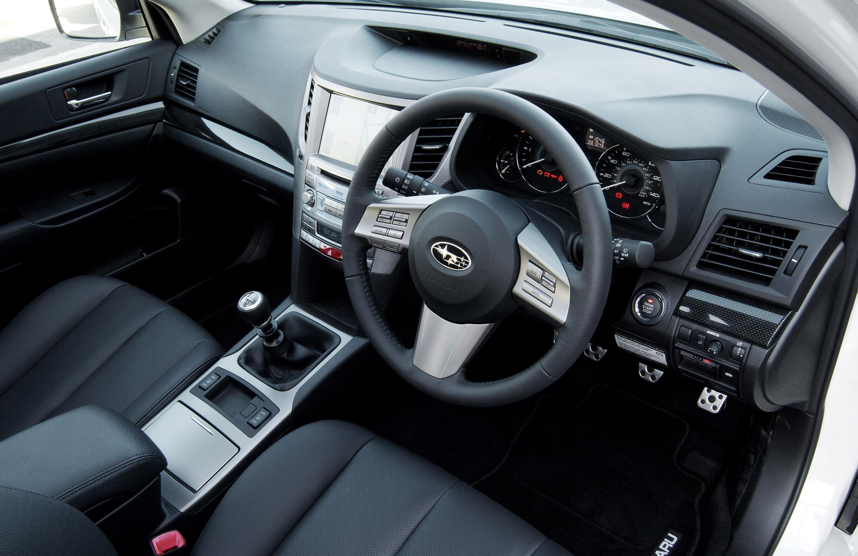 Все новые 2010 Subaru Legacy Tourer - фотография №10
