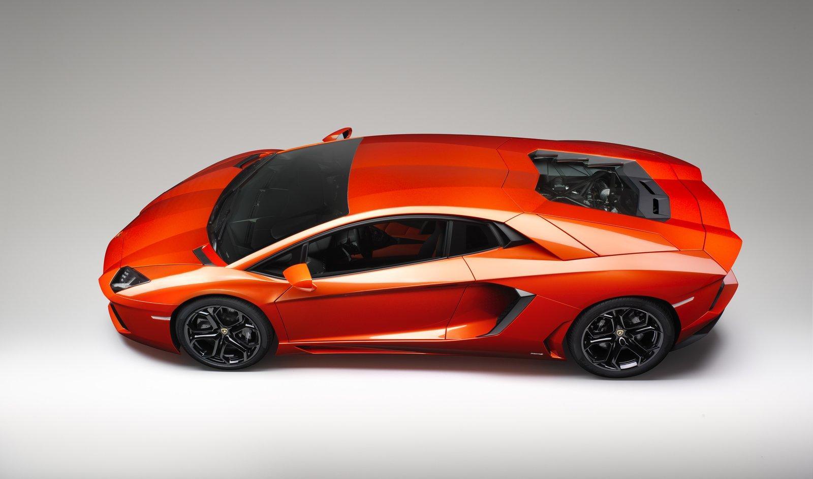 Lamborghini Aventador LP700-4 - фотография №4