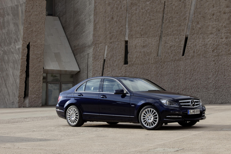2011 Mercedes-Benz C-Класс седан - фотография №1