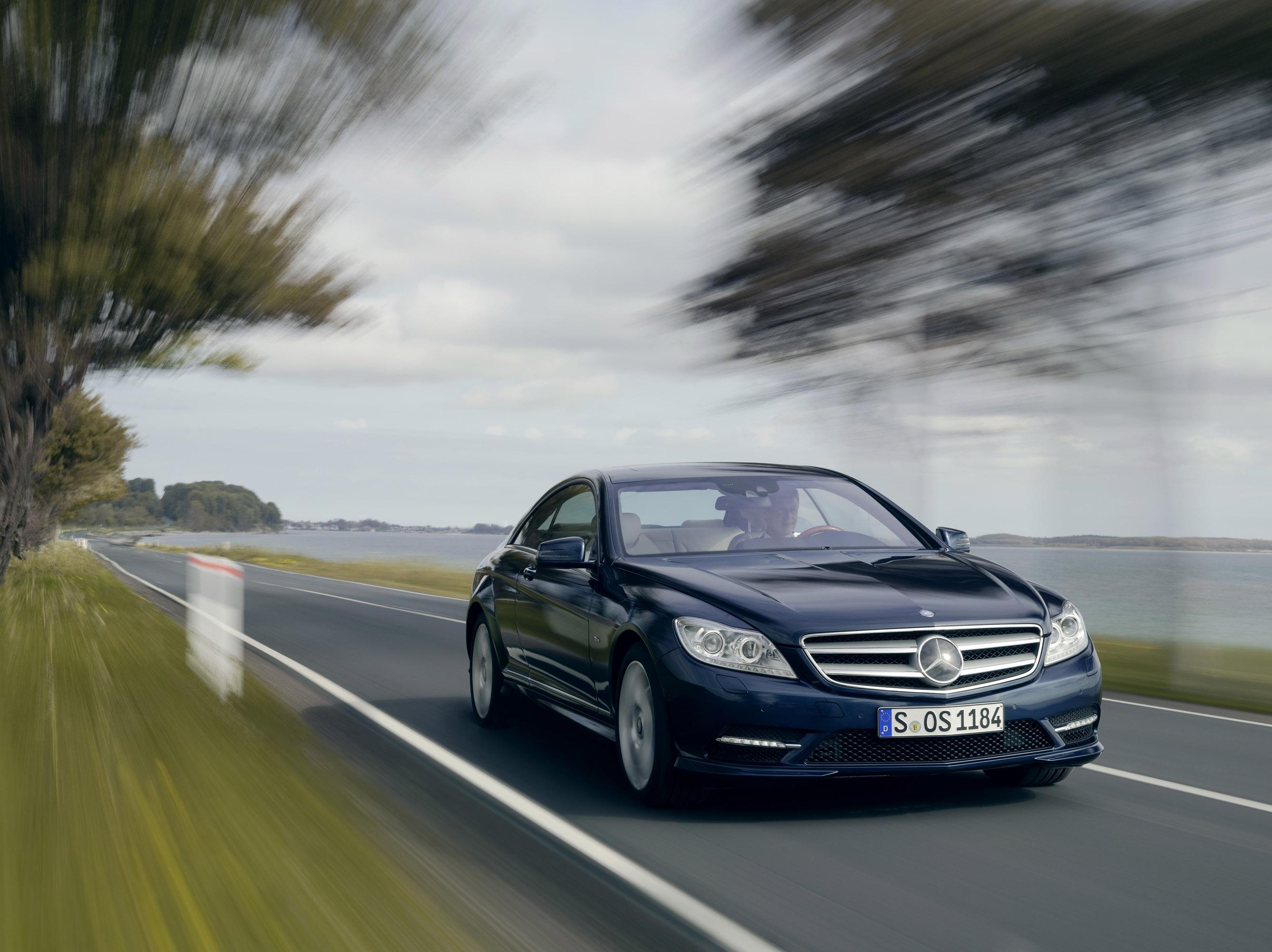 2011 Mercedes-Benz CL-Class сочетает в себе новейшие технологии с повышенной комфортности - фотография №20