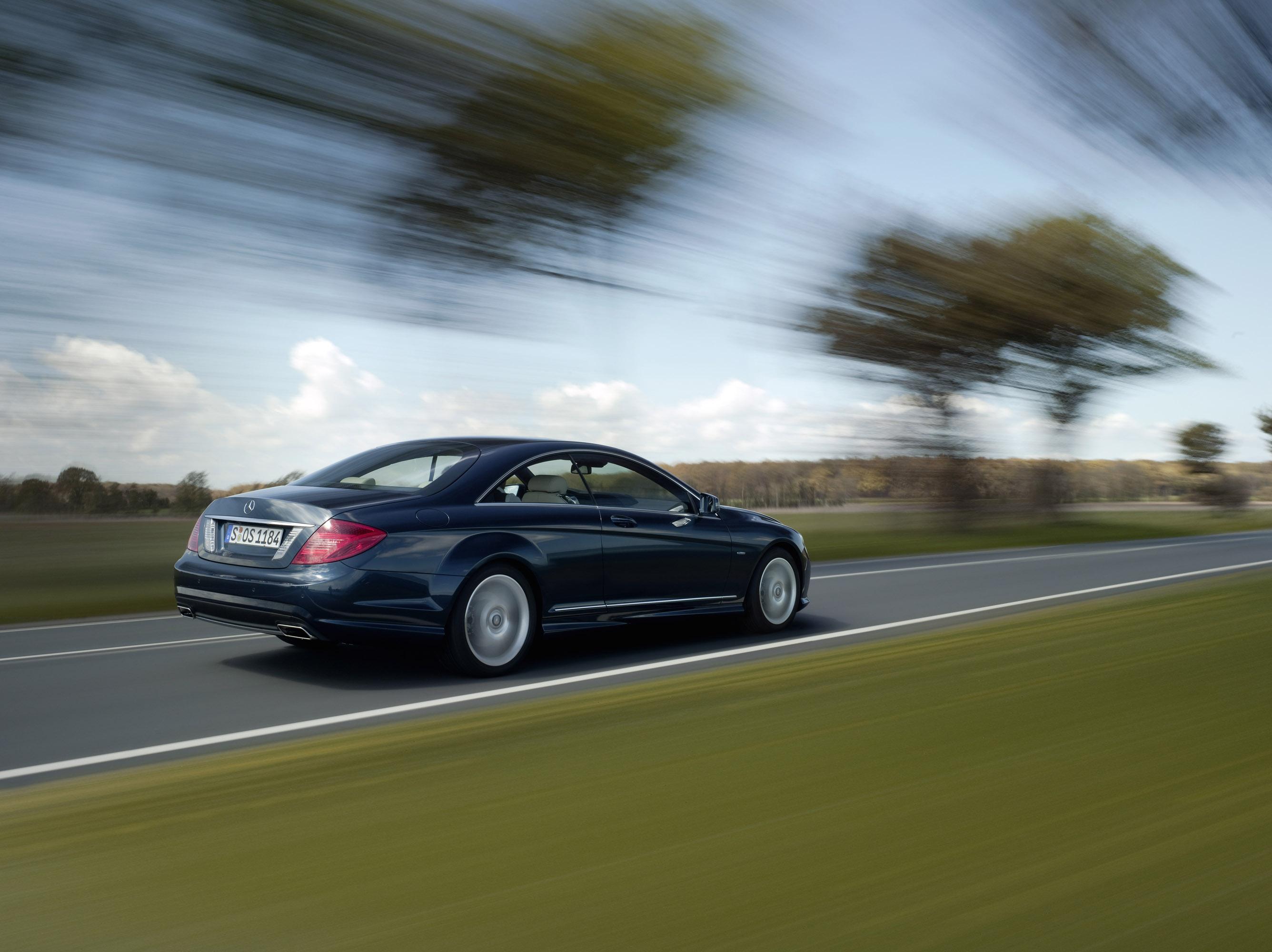 2011 Mercedes-Benz CL-Class сочетает в себе новейшие технологии с повышенной комфортности - фотография №21