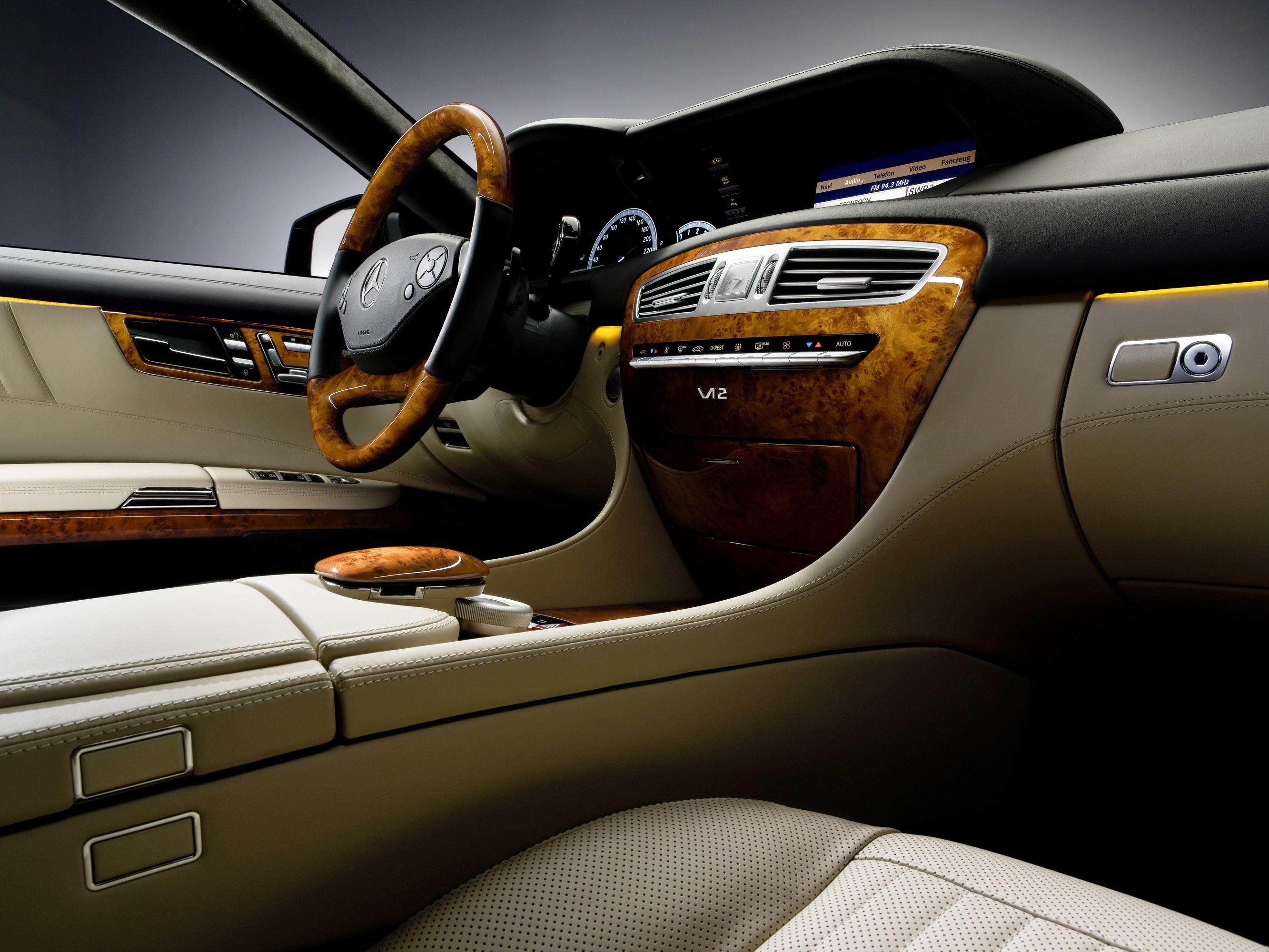 2011 Mercedes-Benz CL-Class сочетает в себе новейшие технологии с повышенной комфортности - фотография №23
