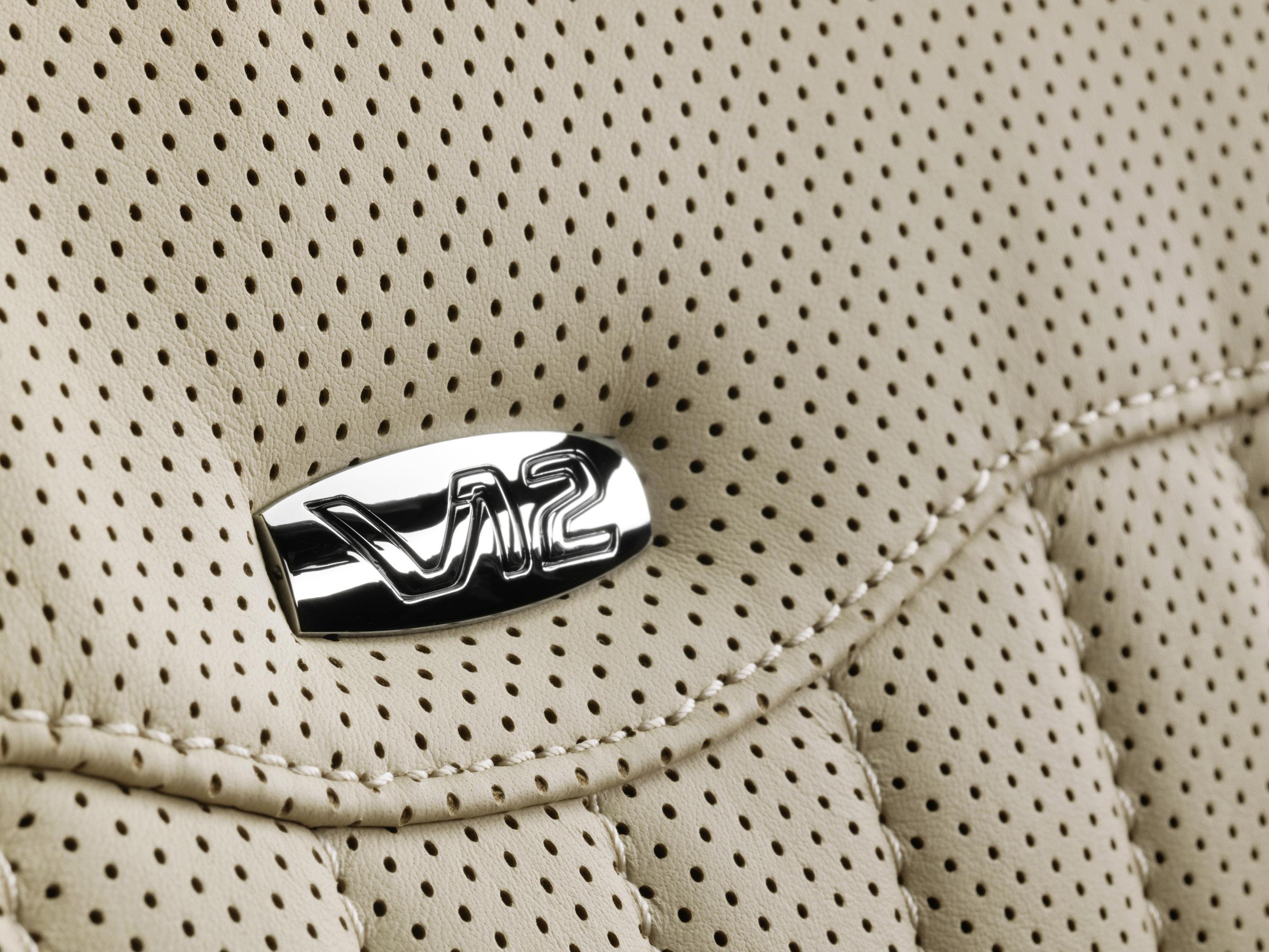 2011 Mercedes-Benz CL-Class сочетает в себе новейшие технологии с повышенной комфортности - фотография №27