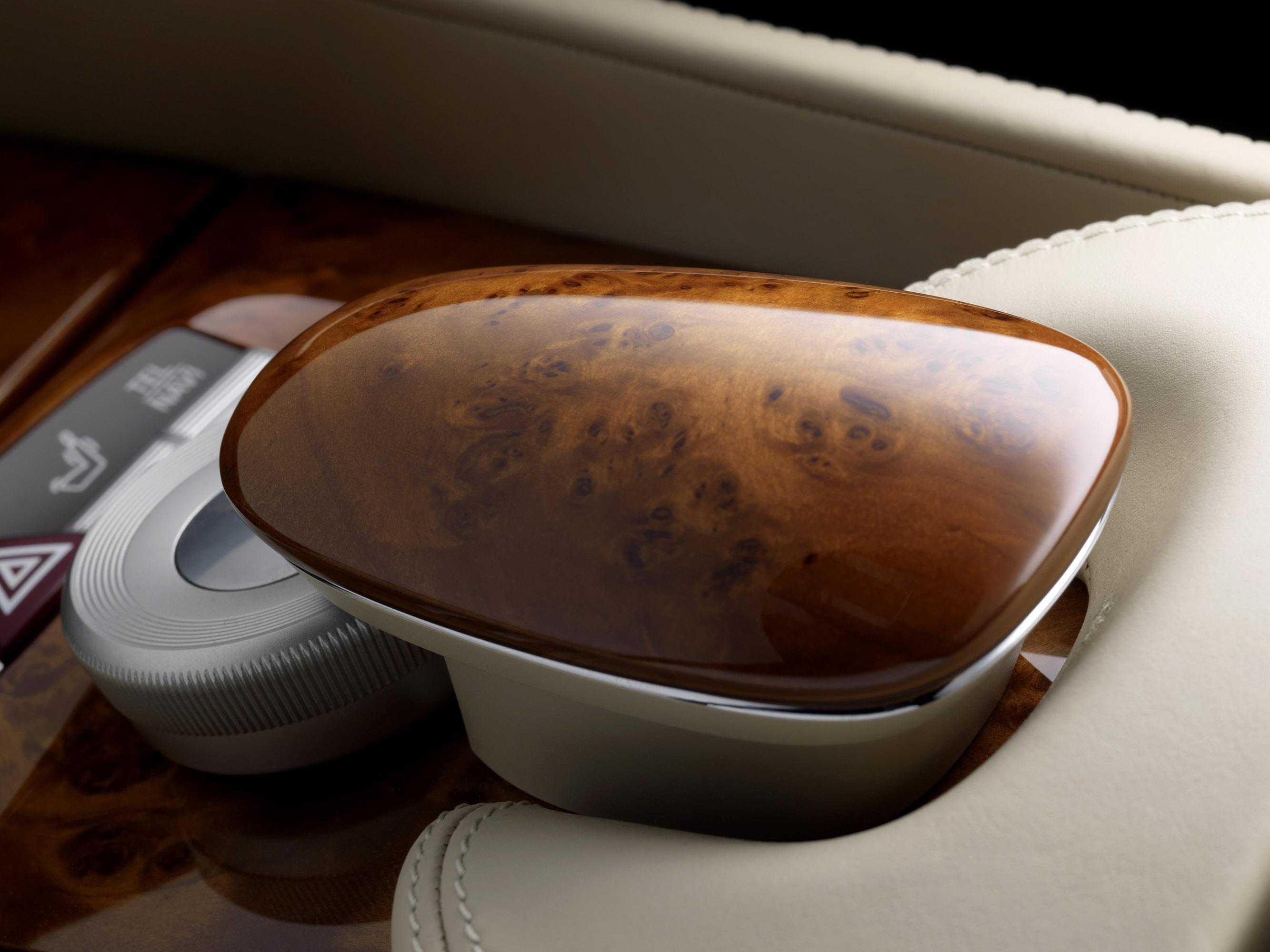 2011 Mercedes-Benz CL-Class сочетает в себе новейшие технологии с повышенной комфортности - фотография №28