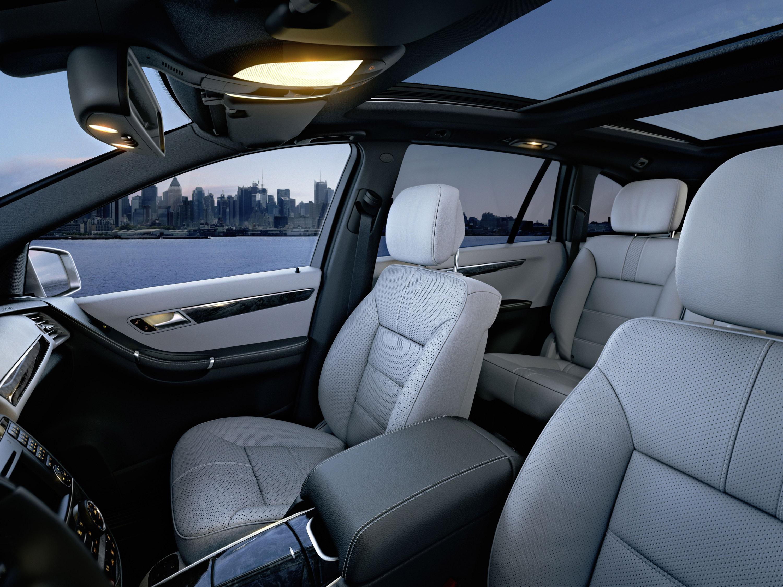 Mercedes-Benz демонстрирует его все-новый 2011 R-класса - фотография №9