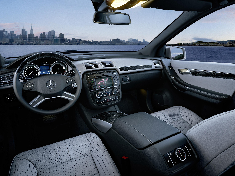Mercedes-Benz демонстрирует его все-новый 2011 R-класса - фотография №10