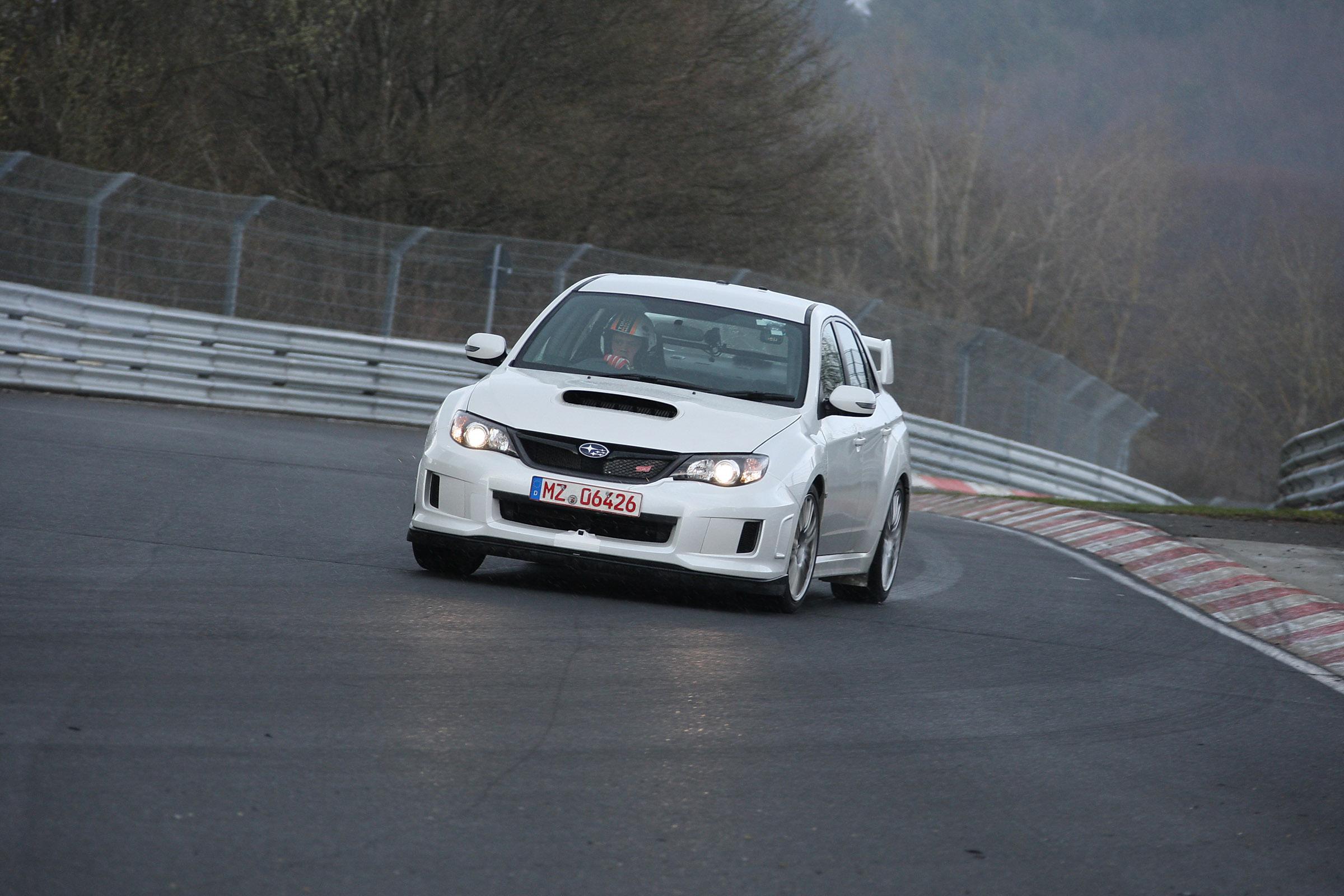 2011 Subaru WRX STi седан испытания на Нюрбургринге - фотография №2