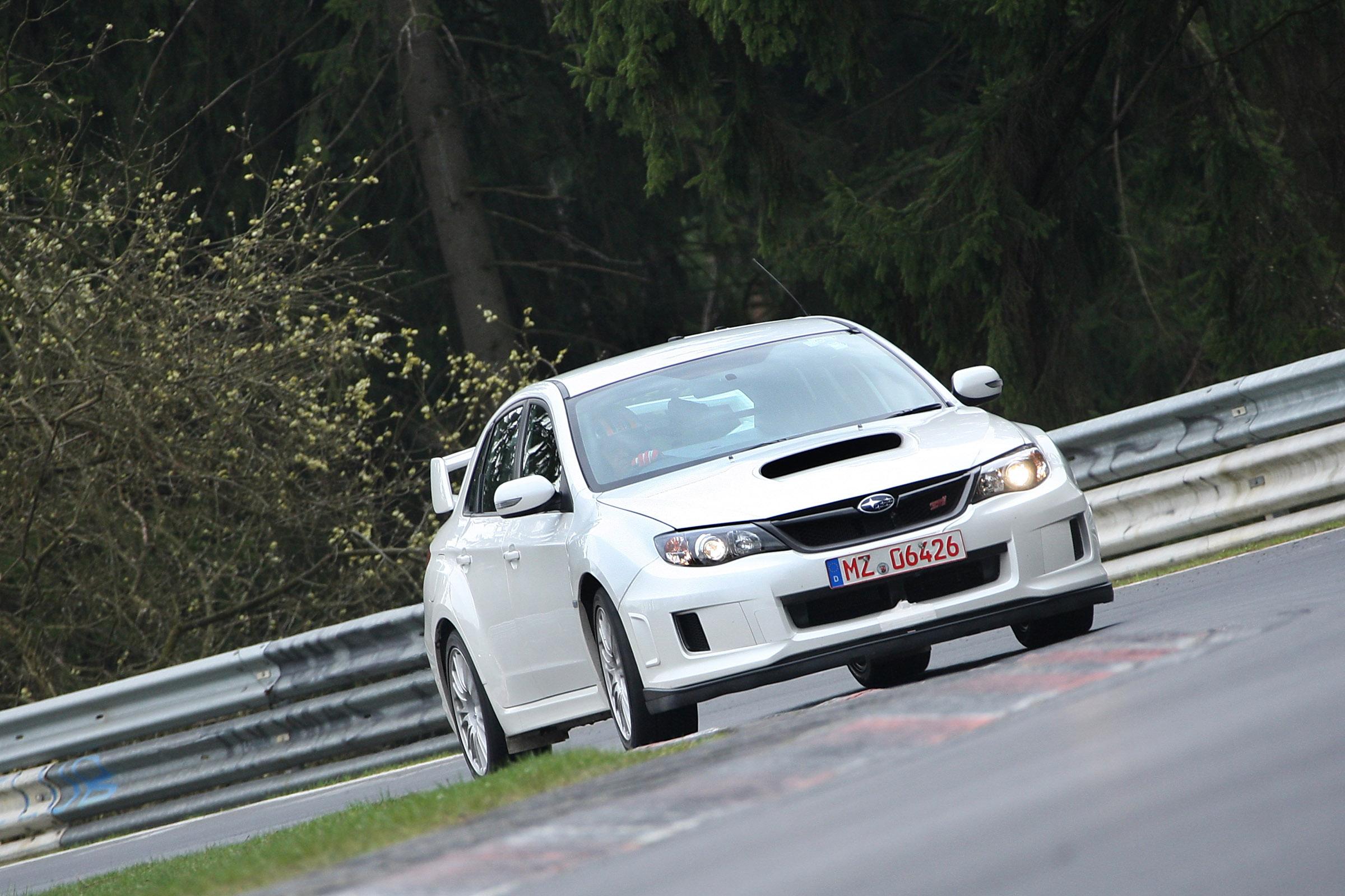 2011 Subaru WRX STi седан испытания на Нюрбургринге - фотография №9