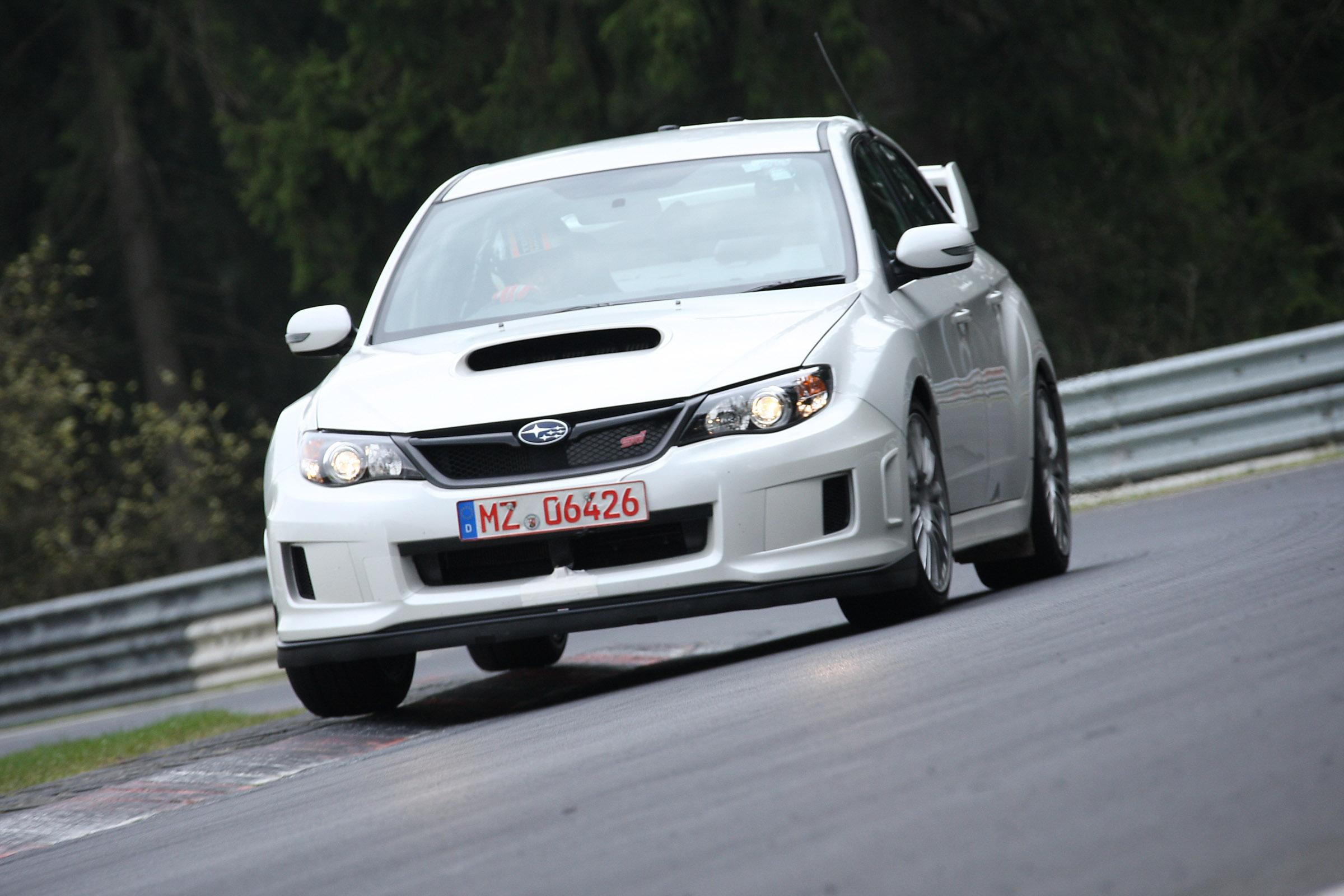 2011 Subaru WRX STi седан испытания на Нюрбургринге - фотография №11