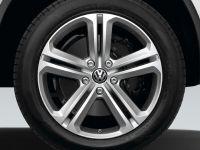 2011 Volkswagen Touareg R-Line Plus