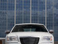 2012 Chrysler 300C UK