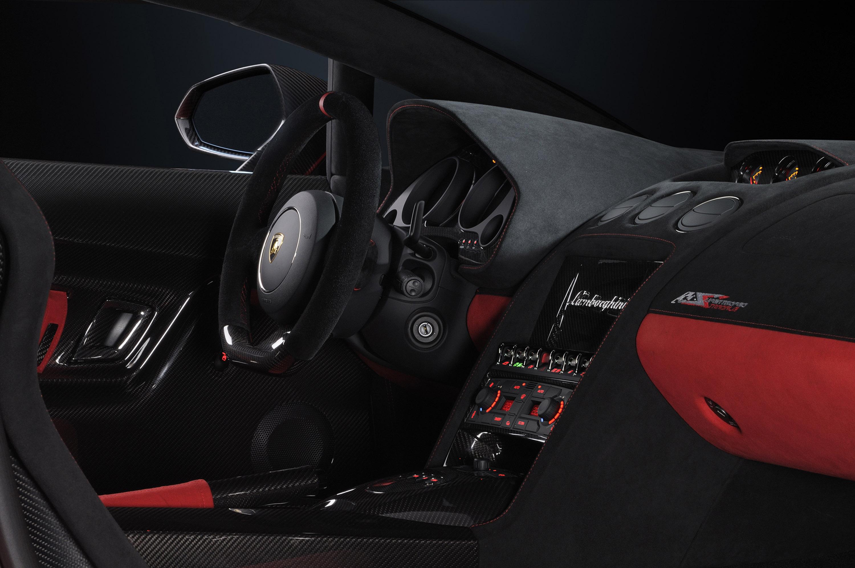 Lamborghini Gallardo LP 570-4 Super Trofeo Stradale - фотография №13