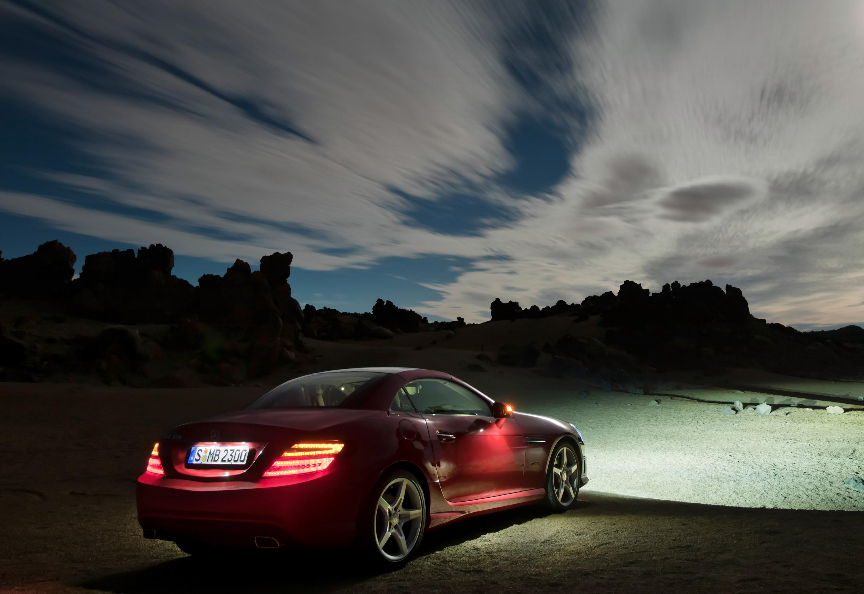 2012 Mercedes-Benz SLK Roadster - фотография №11