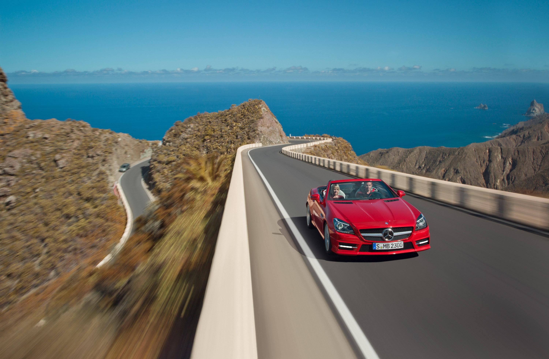 2012 Mercedes-Benz SLK Roadster - фотография №12