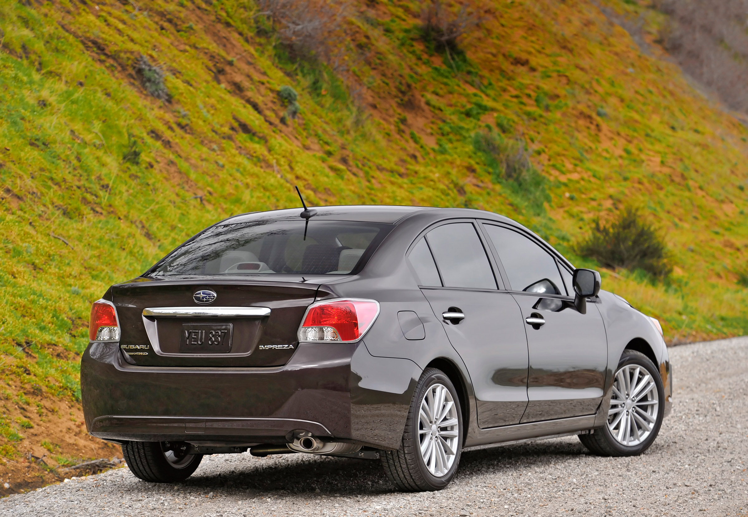 2012 - Subaru Impreza 2-0i лимитированная четвертая версия (фотографии) - фотография №8