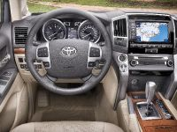2012 Toyota Land Cruiser V8