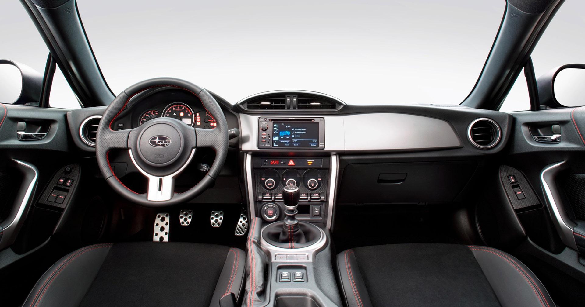 Subaru BRZ 2013 справиться как никто другой? - фотография №12