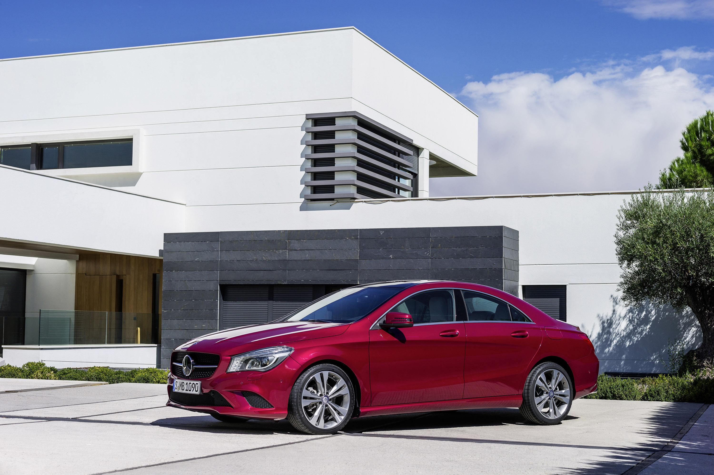 Mercedes-Benz CLA готовится к 2015 году, с большим количеством функций  - фотография №9