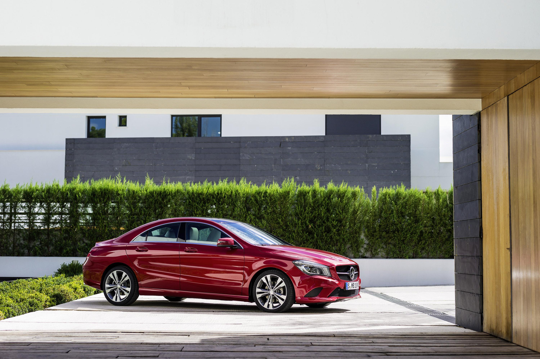 Mercedes-Benz CLA готовится к 2015 году, с большим количеством функций  - фотография №11