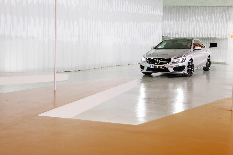Mercedes-Benz CLA готовится к 2015 году, с большим количеством функций  - фотография №15