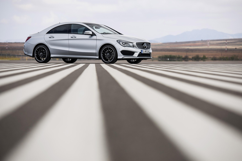 Mercedes-Benz CLA готовится к 2015 году, с большим количеством функций  - фотография №21