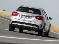 thumbs 2015 Mercedes-Benz GLA 45 AMG