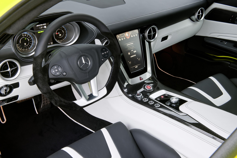 2015 Mercedes-Benz SLS AMG E-CELL - ноль выбросов hypercar - фотография №15