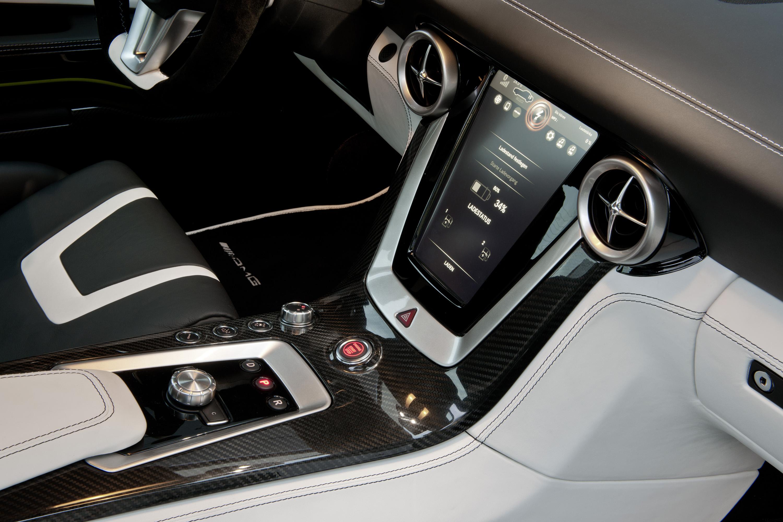 2015 Mercedes-Benz SLS AMG E-CELL - ноль выбросов hypercar - фотография №19