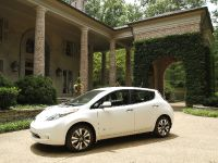 thumbs 2015 Nissan LEAF