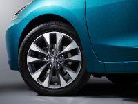 thumbs 2016 Nissan Lannia