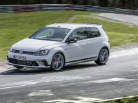 2016 Volswagen Golf GTI Clubsport S with a world record