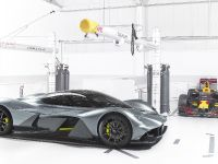 2018 Aston Martin Red Bull Racing AM-RB 001