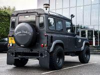 2018 Kahn Design Land Rover Defender Flying Huntsman 105