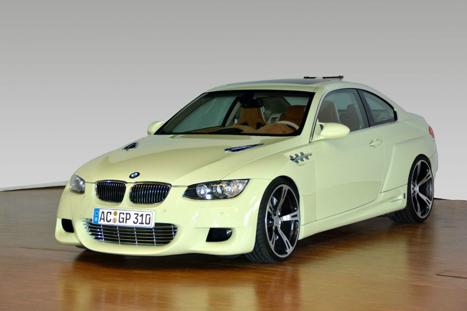 АС Шнитцер ГП 3.10 основанный на BMW Е92 335i - выставлен на продажу - фотография №1