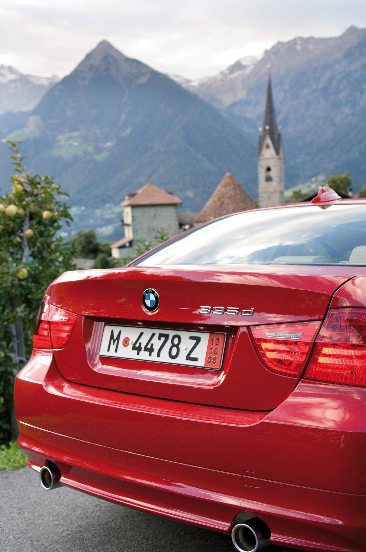 BMW 335d и X5 xDrive35d ценообразования объявил - фотография №1