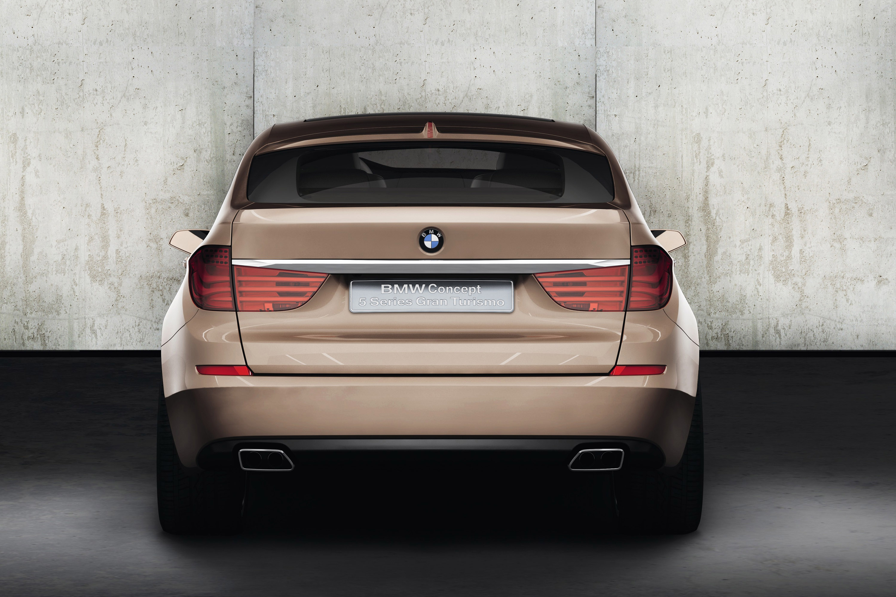 BMW Concept 5 серии Gran Turismo - фотография №16