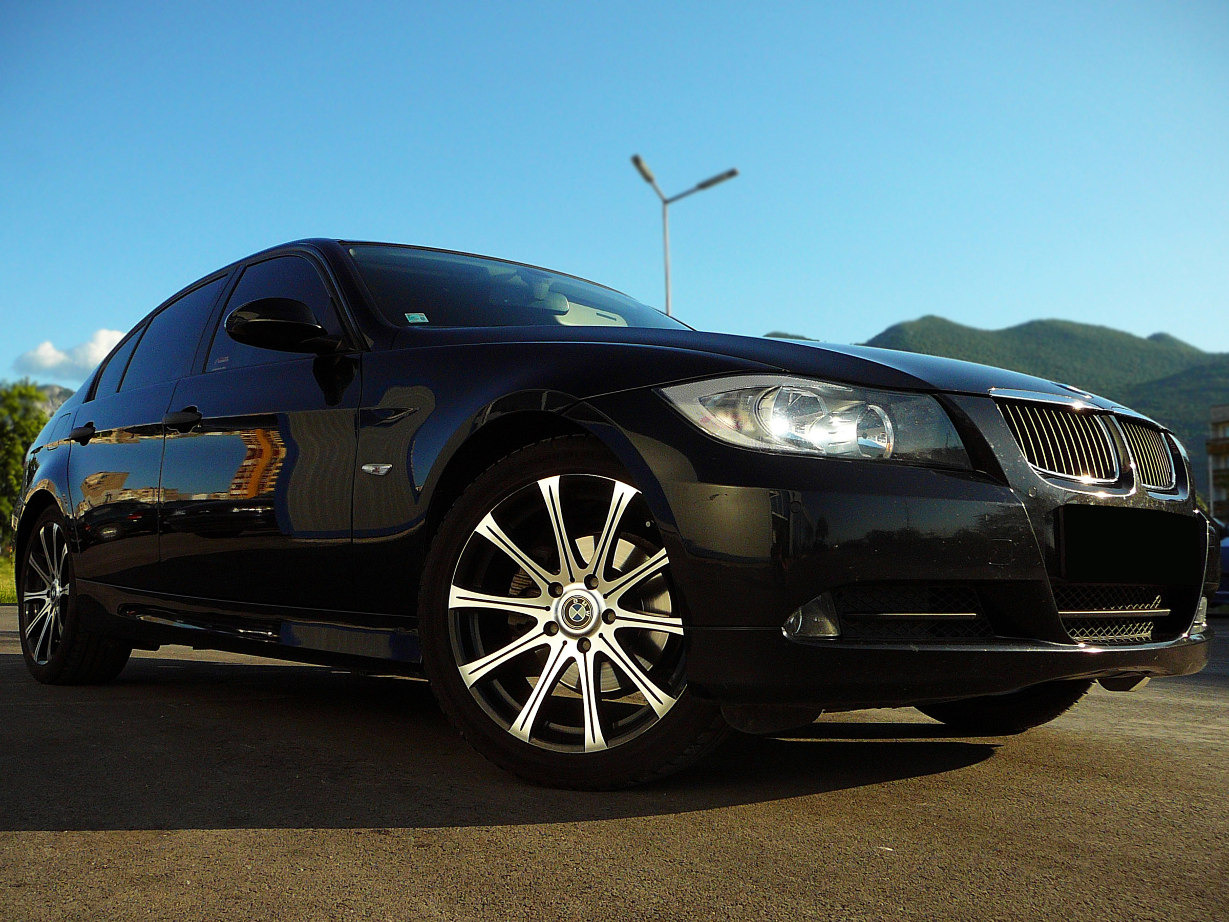 BMW E90 320d - Тест-драйв - фотография №7