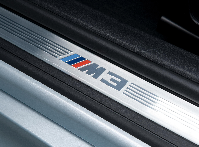 BMW M3 Sedan: идеальный автомобиль для сердца и головы - фотография №11