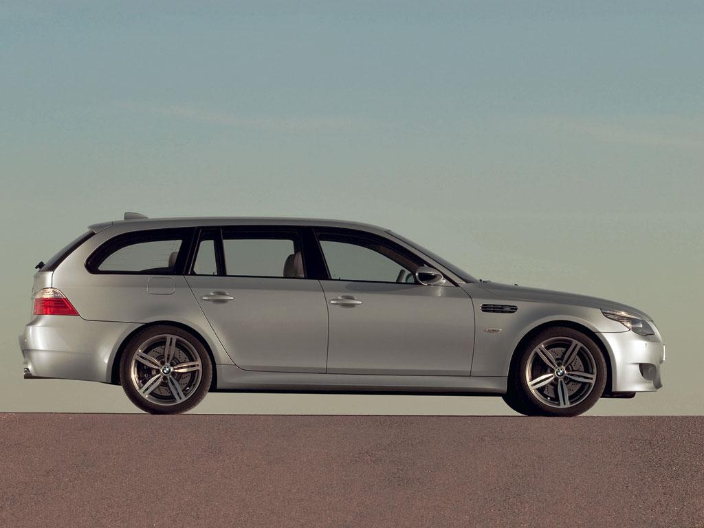 BMW M5 Touring - фотография №3