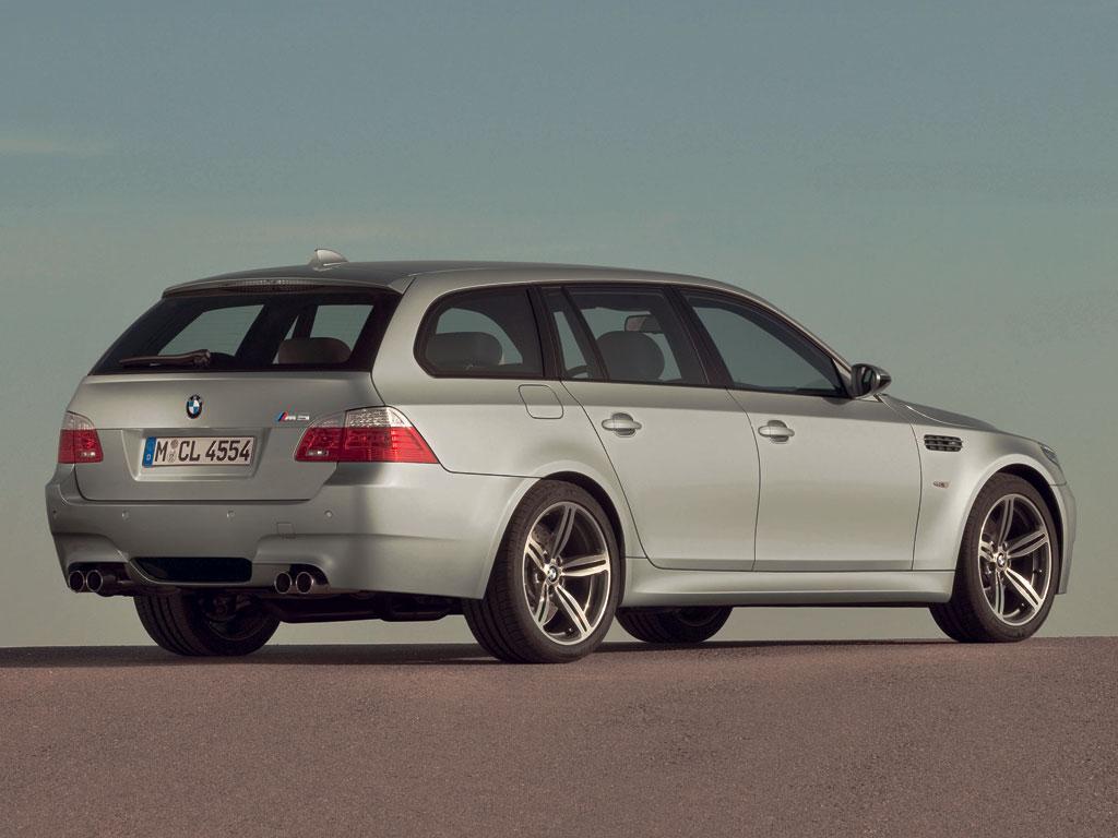 BMW M5 Touring - фотография №7