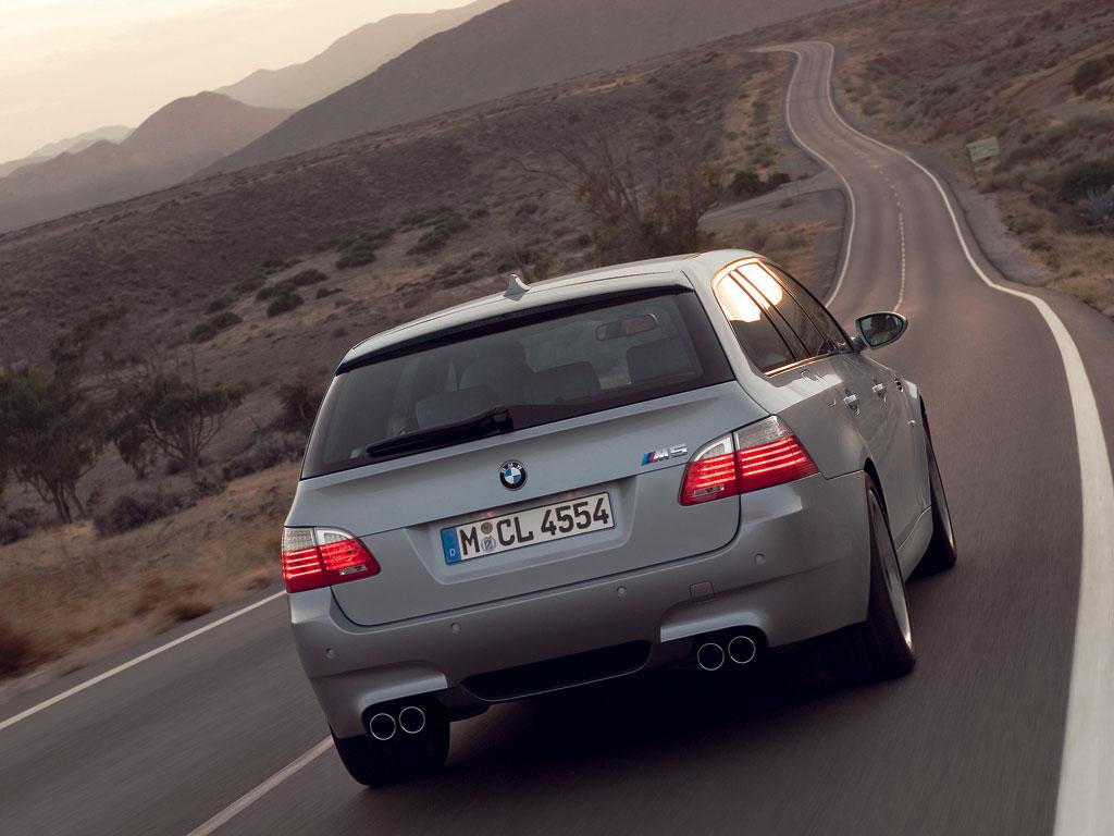 BMW M5 Touring - фотография №8