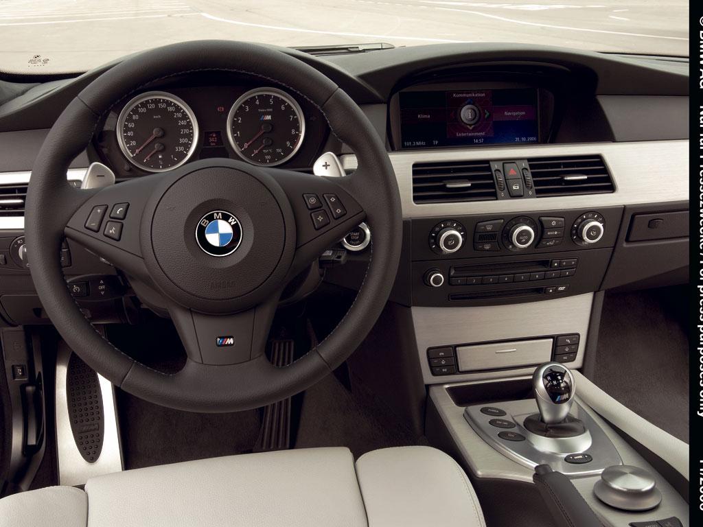 BMW M5 Touring - фотография №9